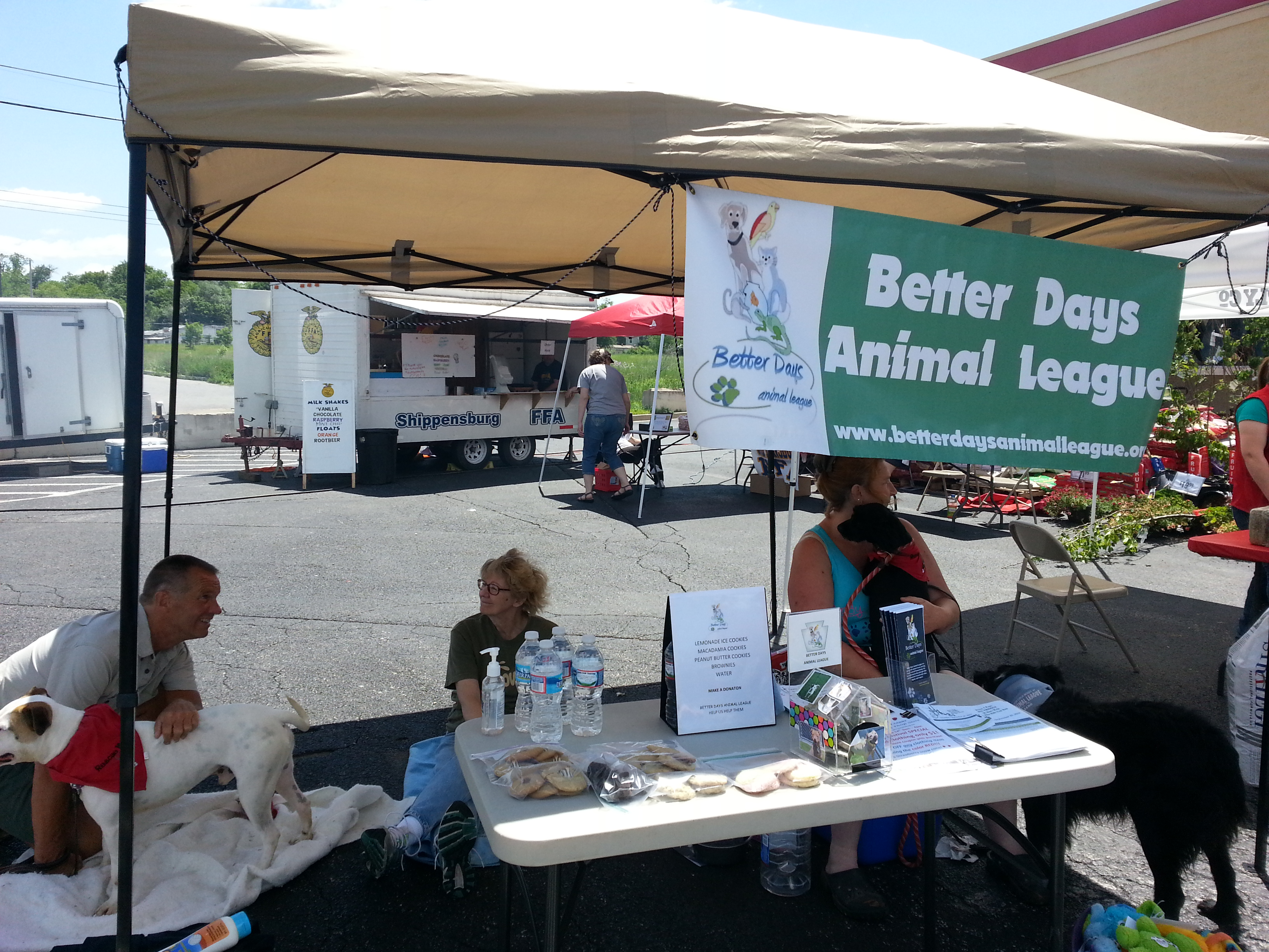 Better Days volunteers with a few of our adoptable animals!